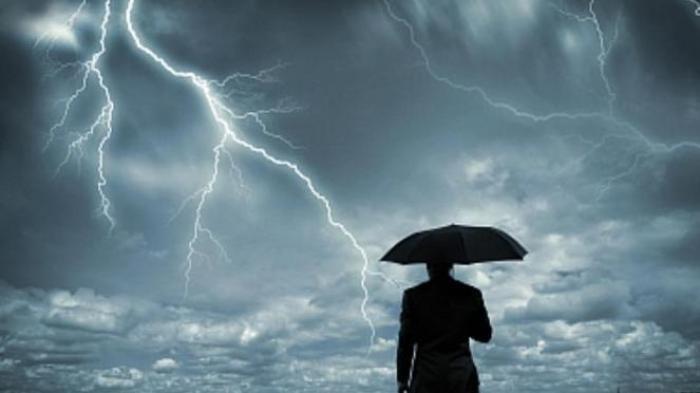 Waspadai Hujan Petir pada Sore Hari, Prakiraan Cuaca BMKG Tegal Raya Senin 20 Desember 2020