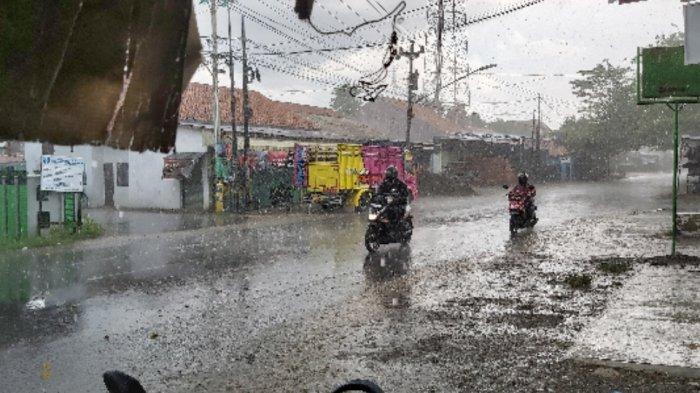 Waspadai Hujan pada Sore dan Malam Hari, PrakiraanCuaca BMKG Wilayah Tegal RayaSabtu26 Juni 2021