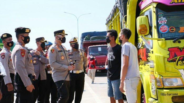 Polres Tegal Lakukan Penyekatan dan Patroli Skala Besar saat Akhir Pekan