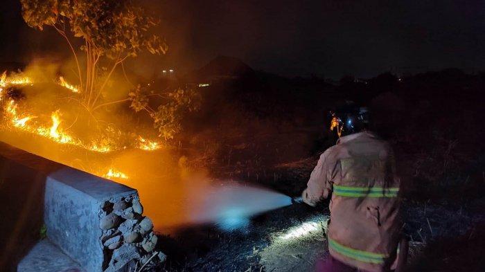 Dua Bulan 4 Kali Kebakaran Lahan di Bong Cino Pekalongan, Damkar: Bisa Merembet ke Permukiman