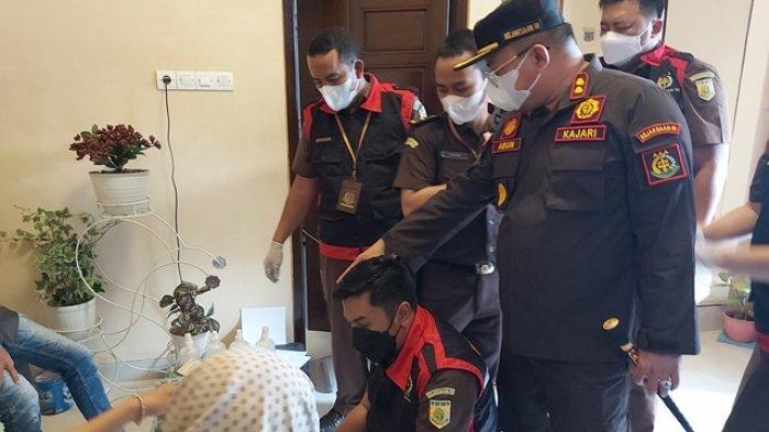 Jaksa Geledah Rumah Tersangka Pemotongan Bantuan Covid-19 untuk TPQ dan Madin di Pekalongan