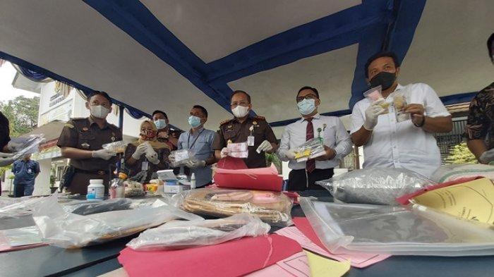 Kajari Kabupaten Pekalongan Musnahkan Barang Bukti Narkotika, Gula Kristal Rafinasi hingga Upal