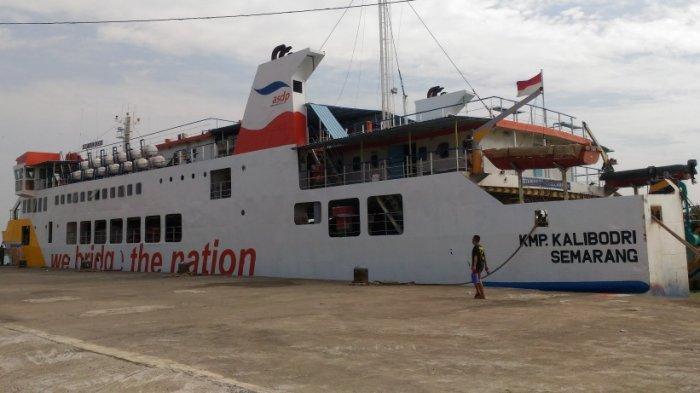KMP Kalibodri Kembali Berlayar dari Kendal, Angkut 14 Penumpang Disertai Hasil Tes PCR ke Kumai