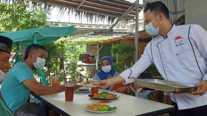 Mantan Chef Hotel Bangkit di Tengah Pandemi,Ubah Teras Rumah Jadi Warung Makan Homey