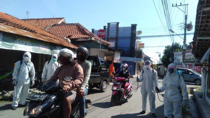 Warga Mintaragen Kota Tegal Swadaya Gotong Royong Sterilisasi Kampung