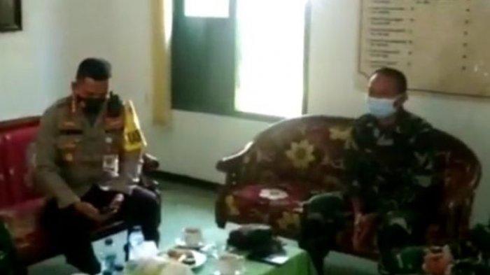 Kapolresta Malang Kota, Kombes Pol Leonardus Simarmata, saat mendampingi jajarannya meminta maaf kepada institusi TNI atas salah sasaran penangkapan yang menimpa seorang Kolonel TNI.