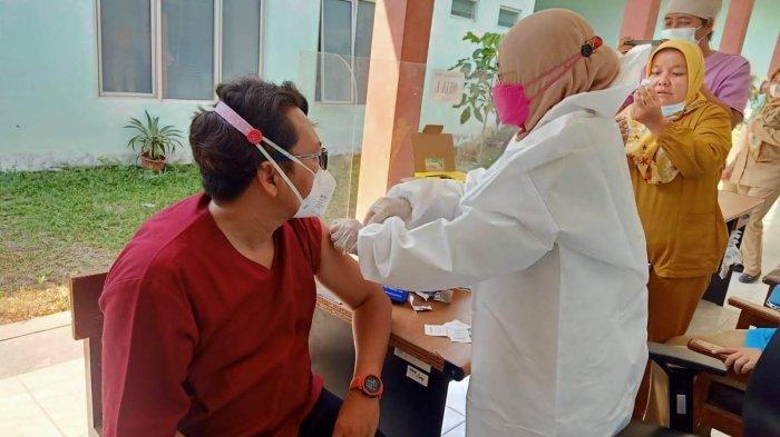 Nakes di Kota Tegal Mulai Dapatkan Vaksin Booster Moderna, Ini Harapan Wahidin