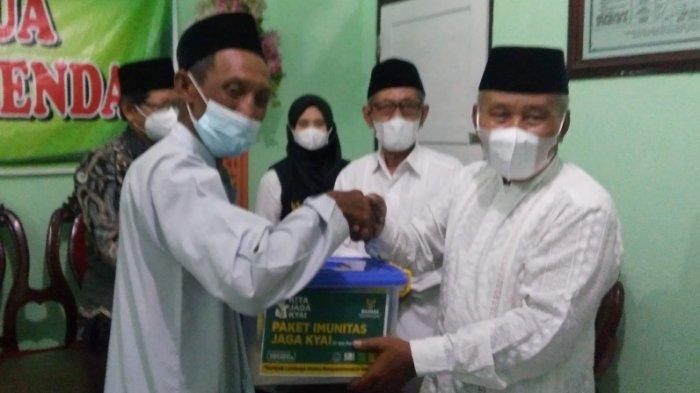 Baznas Kendal Salurkan 650 Paket Bantuan Imunitas Senilai Rp153 Juta kepada Ratusan Kiai