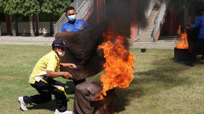 Pelatihan Proteksi Kebakaran Diikuti Siswa, Guru hingga Staf SMKN 2 Slawi
