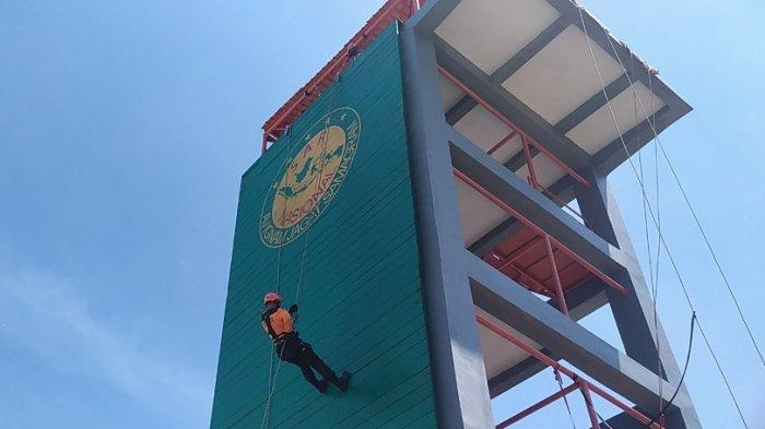 April Tarik Nafas Dalam-dalam, Pelatihan Repling Potensi SAR di Tower Basarnas Semarang