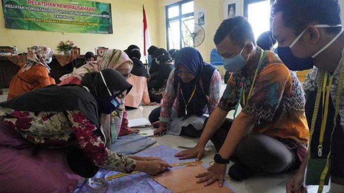 Tingkatkan Usaha Mandiri, Disnaker Batang Gelar Pelatihan Kewirausahaan untuk Alumni Pelatihan