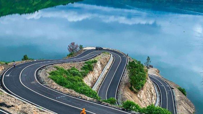 Foto Jalur Berliku di Bukit Sibea-bea Danau Toba Viral, Pemda Minta Jangan Dikunjungi
