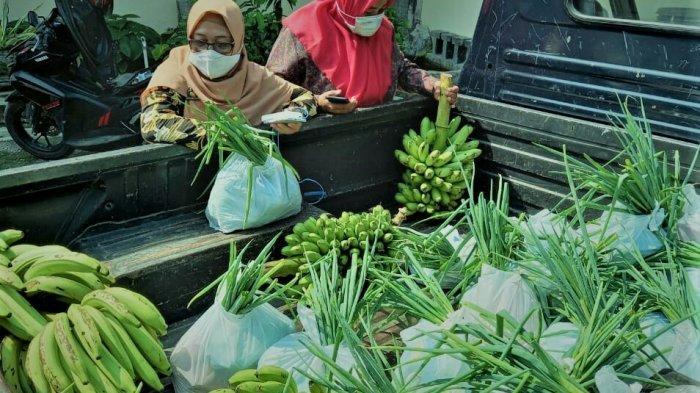 Gerakan Peduli untuk Pedagang Sayur dan Manisan di Objek Wisata Guci