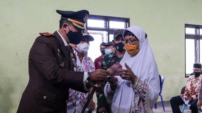 Warga Terdampak PPKM Darurat di Banjarnegara Dapat Bantuan Rp 300 Ribu, Bupati Sindir Daerah Lain