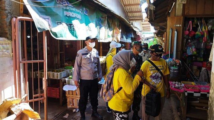 PPRT Batang dan Anggota TNI Polri Bagikan Seribu Masker Gratis