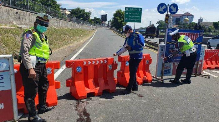 Jalan Tol Sepi Banget, Arus Lalu Lintas Lengang, Dampak Penyekatan Exit Tol di Jawa Tengah