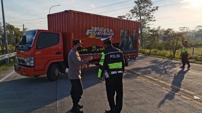 7 Jam Tutup Exit Tol Salatiga, Polisi Putar Balik 30 Kendaraan, AKBP Rahmad: Sesuai Aturan