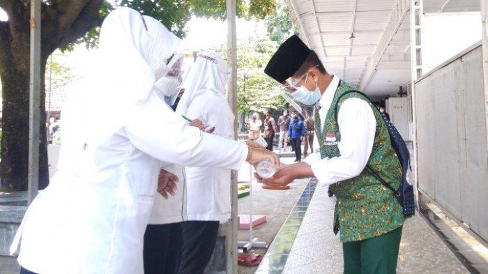 Prioritaskan Vaksinasi Guru dan Siswa 12 Tahun ke Atas, Dico Beber Strategi PTM di Kendal