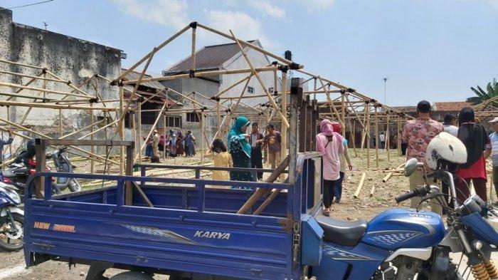 PKL Alun-alun Tegal Cek Tempat Relokasi: Kami Harap Nanti Dilengkapi Tempat Makan Pelanggan dan MCK