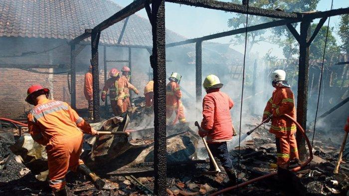 Diduga Lupa Matikan Kompor, Satu Rumah di Bringin Kab. Semarang Hangus Terbakar