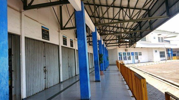 Terminal Pemalang Lengang, Pedagang : Suasananya Sepi