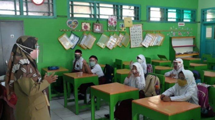 Puluhan Sekolah di Kecamatan Batang Mulai Tatap Muka Meski Masih Berstatus Zone Orange