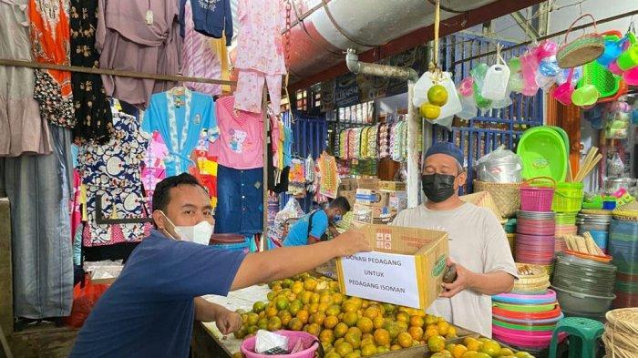Pedagang Pasar Pepedan Kabupaten Tegal Galang Donasi untuk Bantu Sesama yang Isoman atau Sakit