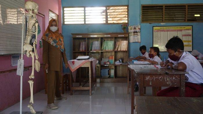Sri Hartati Ungkap Strategi Pelaksanaan PTM Terbatas SDN 2 Menguneng Batang: Pokooknya . . . .