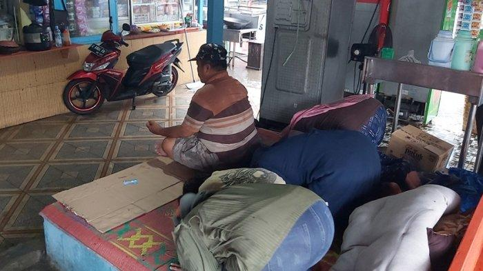 Tegal PPKM Level 2 Pedagang PAI Sujud Syukur, Berharap Pemerintah Kota Tepati Komitmen