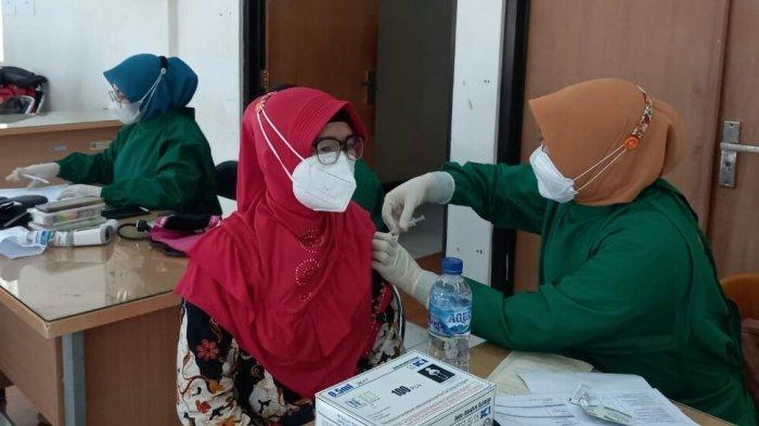 PTM Sudah Dimulai 720 Tenaga Pendidik di Kabupaten Tegal Belum Divaksin, Disdikbud Lakukan Ini