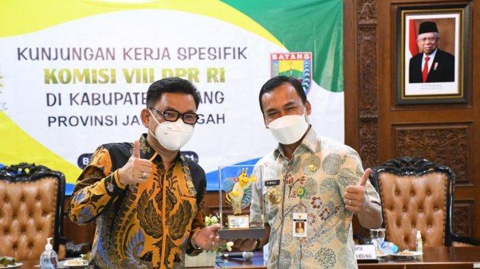 Bupati Wihaji Mengadu ke Anggota DPR RI, Temukan 7.456 Penerima KKS Bersaldo Kosong di Batang