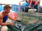 batu-bara-rusak-jaring-nelayan-batang_1.jpg