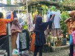 bazar-pakaian-layak-pakai-gratis-yang-digelar-komunitas-25-ewu-di-beberapa-d.jpg