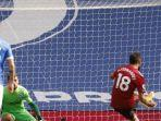 bruno-fernandes-mengeksekusi-penalti-dalam-laga-brighton-vs-manchester-united.jpg