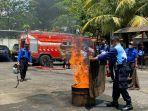 elatihan-penanganan-kebakaran-bekerja-sama-dengan-dinas-pema.jpg