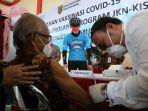 ganjar-tinjau-vaksinasi-lansia-komorbid.jpg
