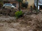 ilustrasi-banjir-bandang-menerjang-permukiman-warga.jpg