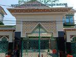 masjid-agung-darul-muttaqin-batang-ditutup-dan-sementara-tidak-ada.jpg