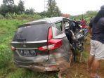 mobil-suzuki-ertiga-mengalami-kecelakaan-tunggal-di-km-331400-jalur-a-yang-m.jpg