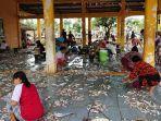 nelayan-tpi-roban-timur-kecamatan-subah-kabupaten-batang-sortir-ikan.jpg