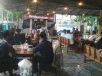ngaji-sambil-ngopi-di-nyong-kopi-kabupaten-tegal.jpg