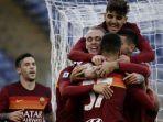 pemain-as-roma-merayakan-gol-dalam-pertandingan-as-roma-vs-spezie-pada-lanjutan-liga-italia.jpg