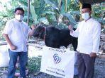 penyerahan-1-ekor-sapi-yang-disumbangkan-untuk-masyarakat-di-sekitar-kecamatan.jpg