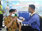satlantas-polres-kendal-melakukan-vaksinasi-covid-19-bagi-sopir-dan-penumpang-angkutan-umum.jpg