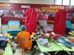 sejumlah-pendonor-darah-saat-mendonorkan-darahnya-dalam-kegiatan.jpg