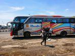 sejumlah-penumpang-dari-luar-daerah-turun-dari-bus-yang-singgah-ke-terminal-tipe-a-pemalang.jpg