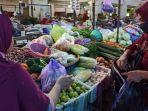 suasana-aktivitas-jual-beli-di-pasar-tradisional-batang-belum-lama-ini.jpg