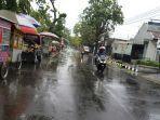 suasana-arus-lalu-lintas-di-jalan-mataram-kota-pekalongan-pasca-turun-hujan.jpg