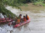 tim-sar-gabungan-melakukan-pencarian-orang-tenggelam-di-sungai-sengkarang-kabupaten-pekalongan.jpg