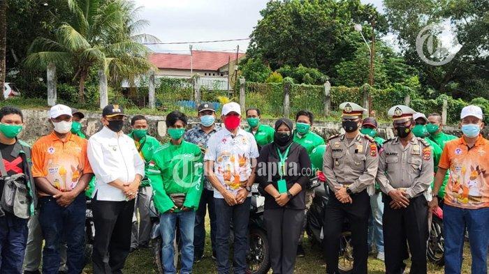 PON XX PAPUA 2021 - Foto bersama usai pelaksanaan apel Kesiapan Transportasi Lokal yang berlangsung di Lapangan Trikora, Distrik Abepura Kota Jayapura.